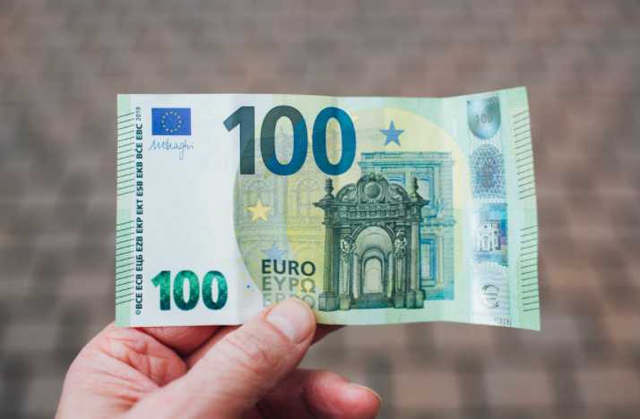 billet de 100 euros vert